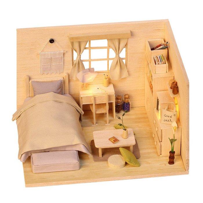 地下尋寶庫:2019年一月新款DIY袖珍娃娃屋小屋素色日式屋 台北車站實體店面 賣場還有數百款小屋 生日禮物