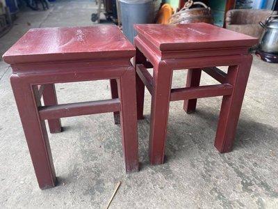 林衝浪私倉聊台灣檜木豆腐椅一對,檜木椅像極了我們愛情的見證年代!
