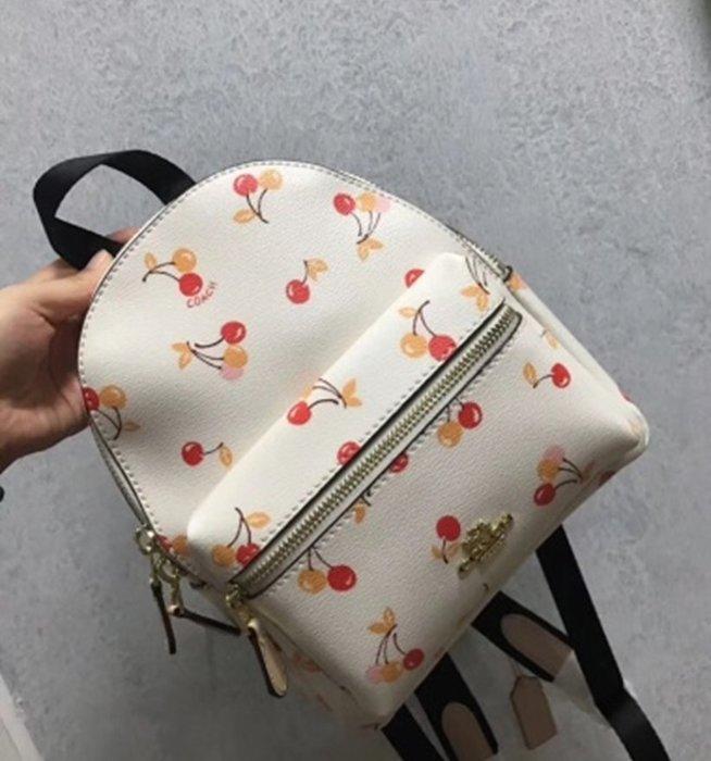 Melia 米莉亞代購 COACH 2019ss 11月新品更新 31374 雙肩包 後背包 PVC配皮 白色櫻桃圖案