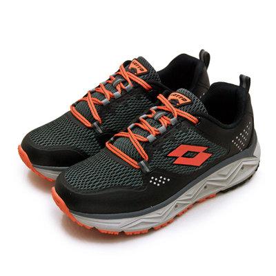 利卡夢鞋園–LOTTO 專業郊山戶外透氣越野跑鞋--AEROVE系列--黑灰橘--3000--男