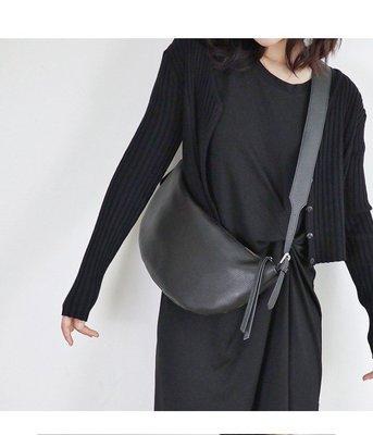 真皮胸包 DANDT 牛皮斜跨可調大容量肩背包胸包(20 AUG)同風格請在賣場搜尋 THU 或 歐美包款