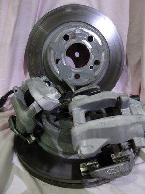 {順加輪胎}中古W212 原廠後煞車卡鉗 分磅 單活塞 含原廠碟盤 狀況極佳 卡鉗無漏油 碟盤無吃溝 E200 E300