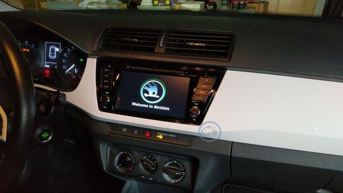[樂克影音] SKODA FABIA 7吋專用多功能導航機   DVD/導航/藍芽/USB影片/原車資訊/無損安裝