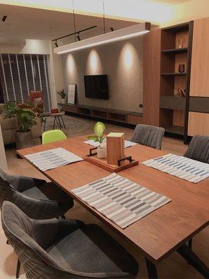 二手實木餐桌含4張布餐椅 鐵件 工業風 Loft 風 北歐風