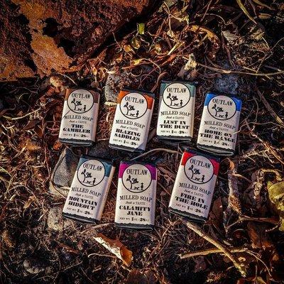 小熊正品彩妝Outlaw Soaps-炮彈味道性感撩人世外桃源 男士沐浴皂旅行套裝7塊