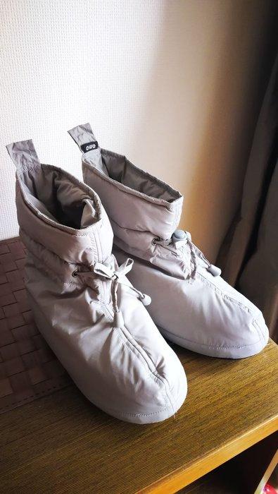 很新二手超保暖淺灰色100%鴨絨室內鞋