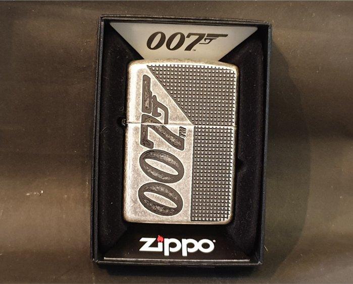 ONE*$1~*美系*ZIPPO*鎧甲系列~JAMES BOND《電影007-年度版 》仿古銅**編號:49033