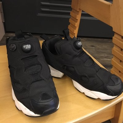 Reebok pomp 黑色 武士鞋 25cm