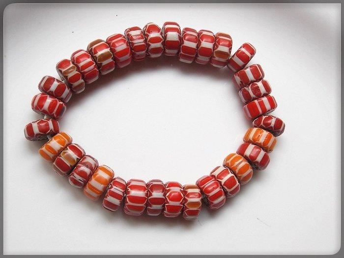 【雅之賞|藏傳|佛教文物】*特賣*尼泊爾古法老琉璃 12mm手珠~Q1999