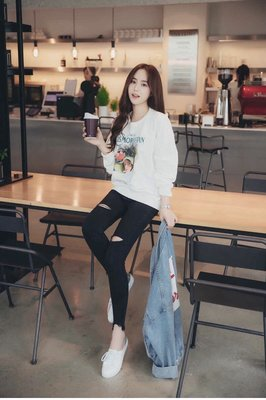 ✨日韓美著✨韓版緊身破洞造型牛仔褲skinny jeans 預購中