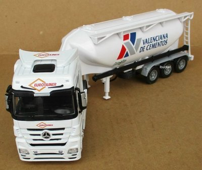 BENZ白色拖頭+油罐拖車1/50模型---無盒改裝品