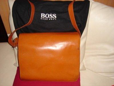 HUGO BOSS 100%正品精緻橘黃滑面皮革大尺寸側背包