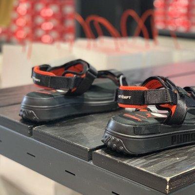 超人運動 PUMA彪馬 新款男女同款ATTEMPT 聯名款涼鞋 魔術貼沙灘鞋373475