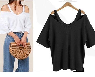 GOGO SHOP☆╭歐美 新款V領別緻鏤空露肩T恤 寬鬆顯瘦短袖T恤【Y2205】XL-5XL大尺碼時尚短袖T恤 潮