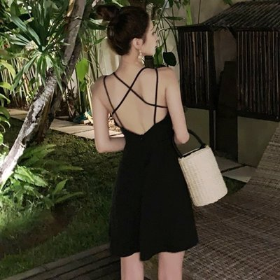 時尚女裙  短裙吊帶裙夏季新款露背度假裙高腰性感交叉黑色A字連衣裙女
