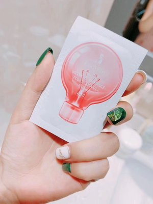 韓國♥︎#Ladykin 童顏#精華 ~大牌明星共同種草的超級#精華液 !專為亞洲肌膚研制!#祛黃#淡斑,#提亮#美白,#緊致 彈力!用完皮膚白嫩到發光~