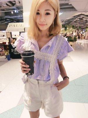 正韓 優雅蕾絲薫衣草紫棉質上衣 簍空花邊V領約會氣質上衣 現貨 韓妮 可樂果 綁帶 現貨淺紫