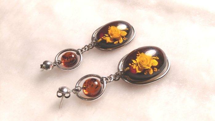 玉之軒**收藏十五年來珍品老件波蘭天然手工內雕玫瑰花琥珀耳環~獨一無二喔~割愛~