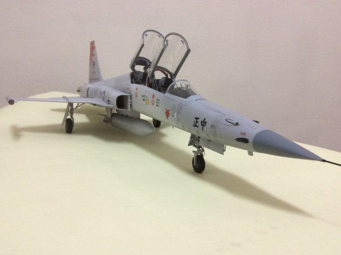F5f雙座戰鬥教練機