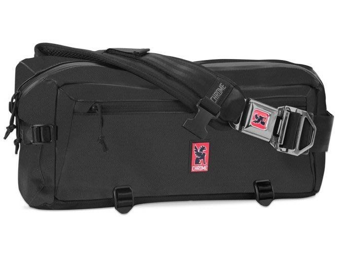 { POISON } CHROME KADET SLING MESSENGER BAG 金屬扣頭多功能夾層 單肩式隨身包