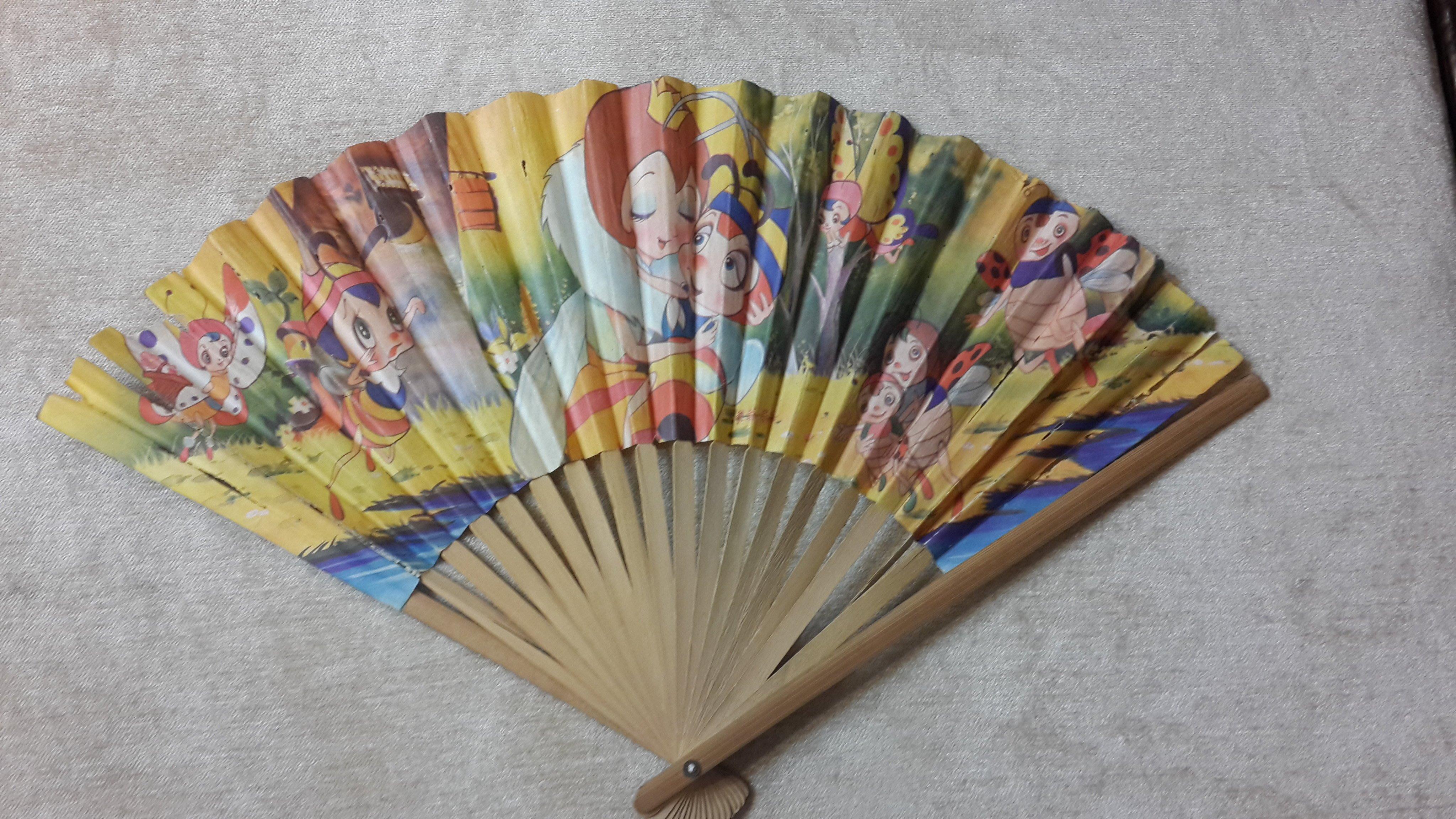 【五六年級童樂會】 早期絕版懷舊童玩小蜜蜂 紙摺扇(品項如圖有損)