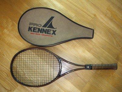 肯尼士 PRO KENNEX 「黑金剛」Black Ace 碳纖維網球拍﹝含原廠拍套﹞