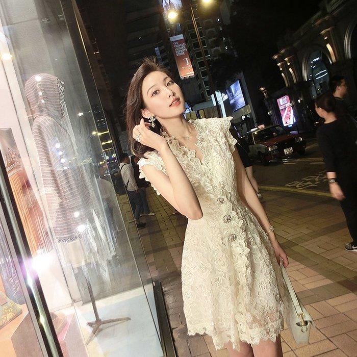 《巴黎拜金女》蕾絲鏤空氣質連衣裙女收腰復古顯瘦中長款a字裙