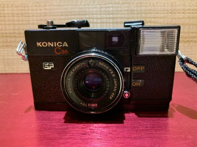 KONICA C35 EF底片相機 KONICA C35 EF零件機 底片型照相機 底片相機 傻瓜相機 早期相機