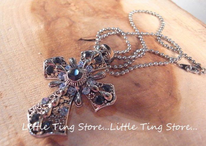 Little Ting Store 衝浪型男潘瑋柏.周杰倫閃亮水晶鑽寶藍鑽簍空十字架造型銀色項鍊