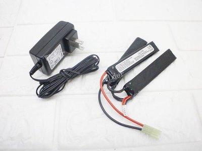 [01] 11.1V 鋰電池 三片式 + 11.1V 充電器 (鋰鐵充電電池EBB AEG電動槍AR步槍M4後托BB槍