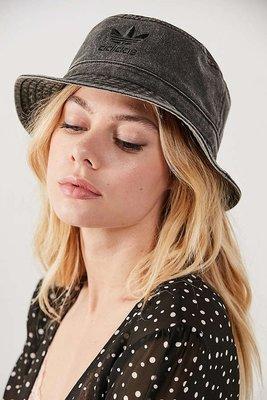 代購 adidas Originals Washed Bucket Hat 灰黑色 漁夫帽