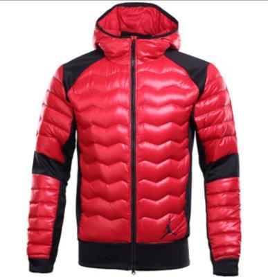 Nike JORDAN 連帽運動外套(羽絨外套 )輕量連帽版 紅色 XL號