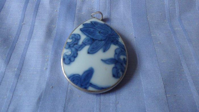 紫色小館8-------明嘉靖銀飾瓷片