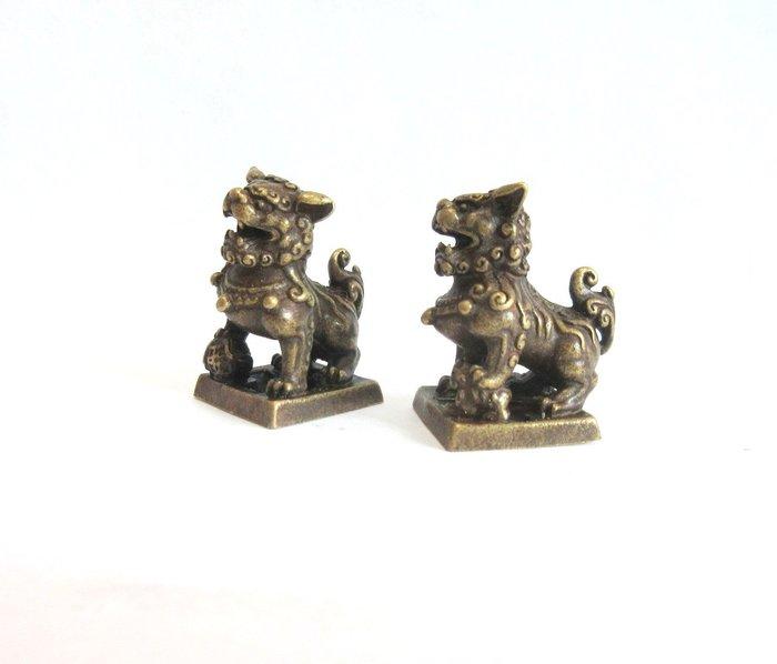 出賣家藏--獅鈕銅印小對章