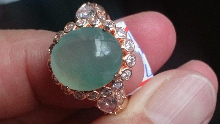 #冰帶玻藍綠水放光13.6*11.7*厚約5.2mm. (已鑲嵌大略測量)戒指(可再自行鑲嵌k金或銀台)專賣緬甸A貨翡翠