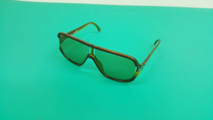 復古 超有型 PLAYBOY 墨鏡 MADE IN AUSTRIA (絕版品)太陽眼鏡