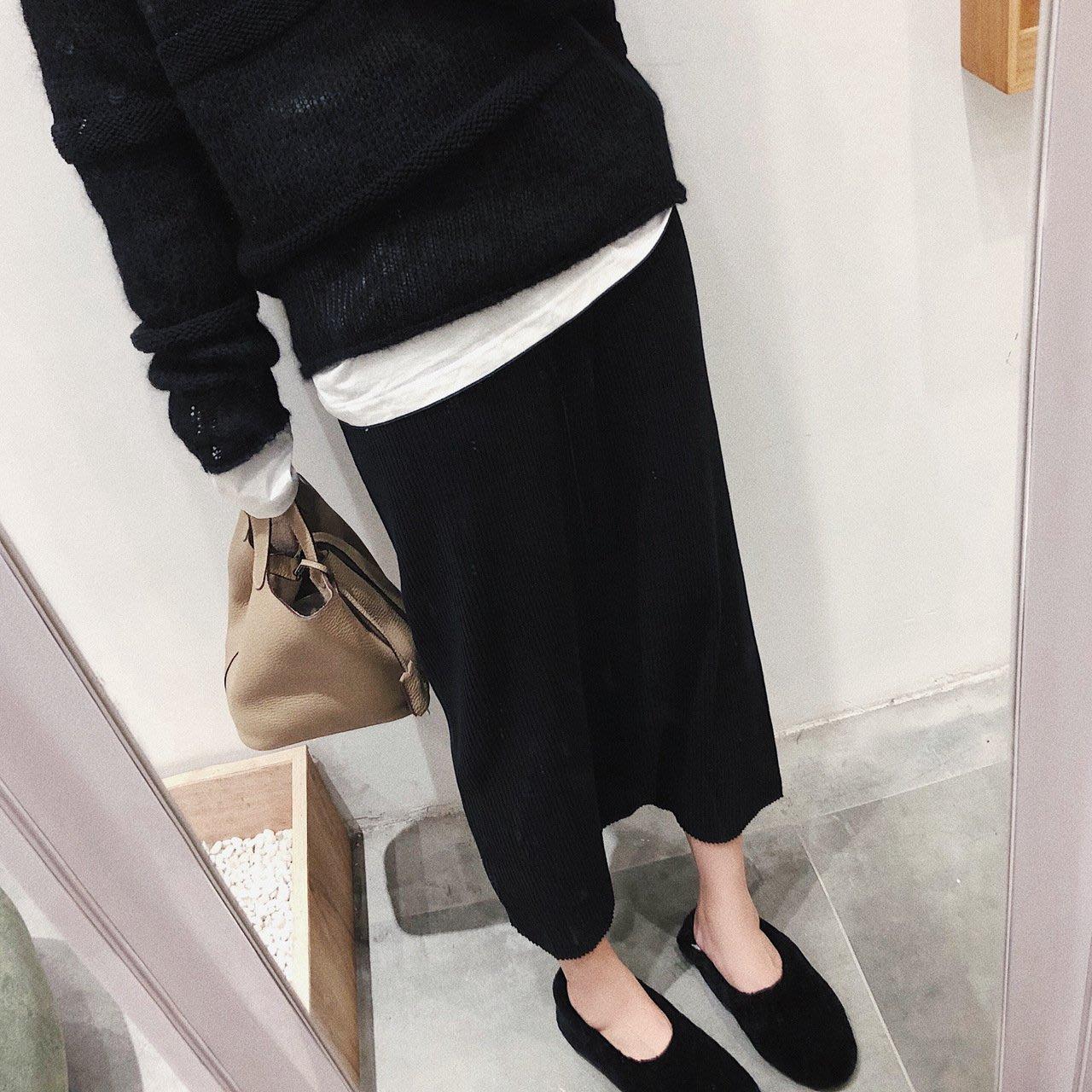 C Select Shop ♥ 好評返單款!設計款胯襠裙褲 加厚中長款半身裙 黑色 百搭顯瘦