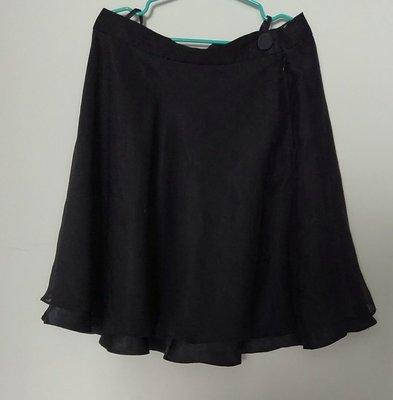 (搬家大出清)專櫃E. San Collection黑雙層大圓短裙。裙側YKK隱形拉鍊。雙層薄紗跟黑緞面搭配不透,內層是較長緞面,外層是較短薄紗,尺寸約S碼夏姿