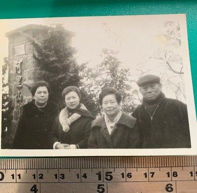 ㊣台灣意象*旗艦店㊣ 阿里山賓館前合影 0820