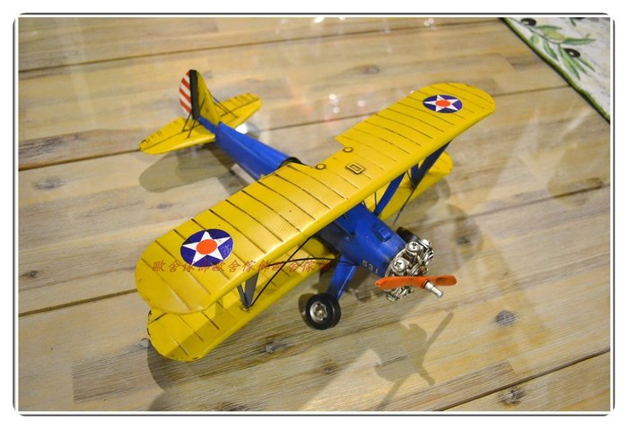 黃藍色復古飛機 1941年老式 復古鐵皮模型擺飾收藏 另有偉士牌蒸汽火車重機ET8 送禮生日入厝【【歐舍家飾】】