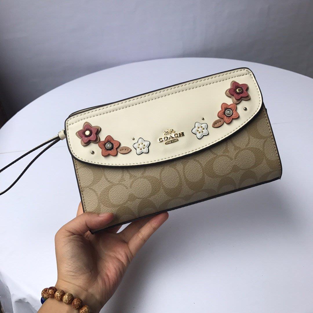 【八妹精品】COACH 72995 新款女士翻蓋花朵錢包手拿包 手腕包錢包