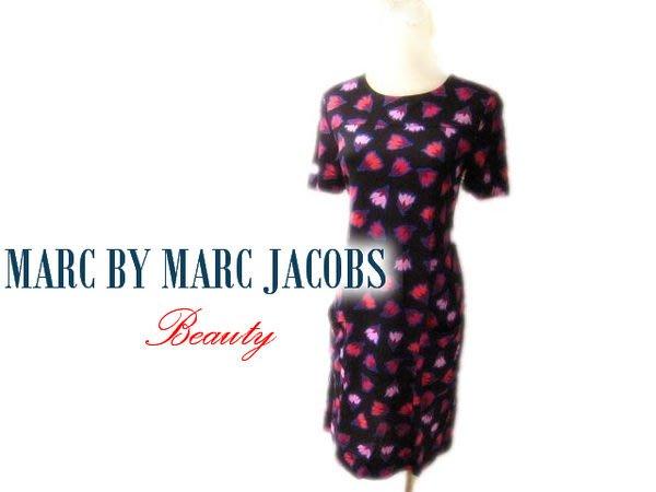 *Beauty*MARC BY MARC JACOBS黑底花花短袖洋裝 WE14