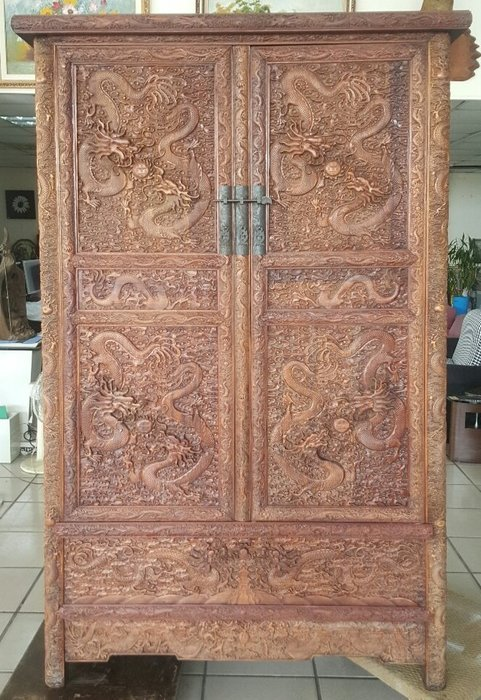 桃園國際二手貨中心-------早期 花梨木古董龍紋浮雕櫃 龍櫃 花梨木古董立體雕刻龍櫃(一對)