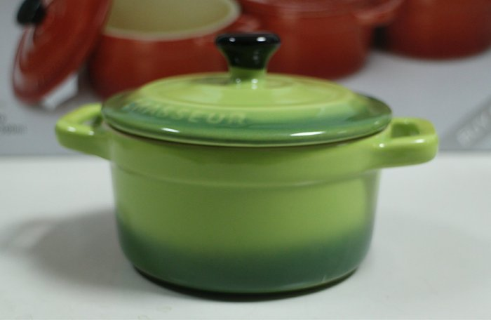 【小麥的店】現貨*法國 Chasseur迷你陶瓷圓烤盅 // 蘋果綠漸層