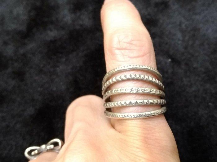 手工打造925銀飾戒指 尺寸可調整