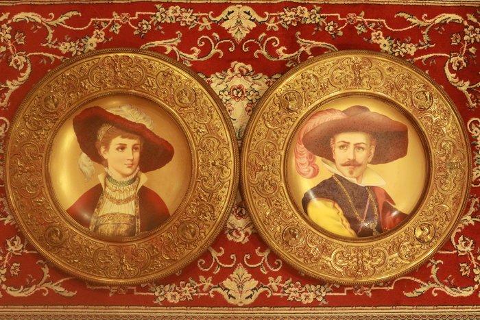 (已售)【家與收藏】特價頂極珍藏歐洲19世紀百年古董名瓷新文藝復興風格優雅貴族人物手繪瓷盤 1