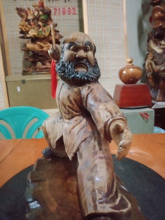 武達摩序類之舞弄劍術  香樟木雕刻 作者:柯金仲