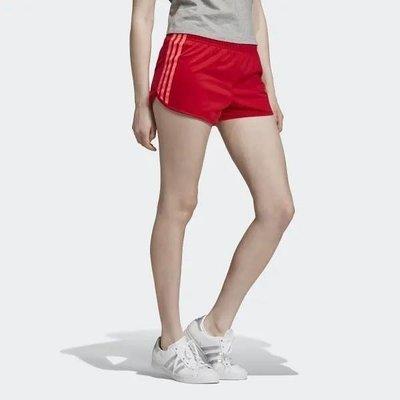 【Dr.Shoes 】adidas 3-Stipes Shorts 女裝 紅 三線 休閒 熱褲 運動短褲 EK2982