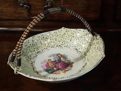 【卡卡頌 歐洲跳蚤市場/歐洲古董 】歐洲老件_Limoges 鏵鐸 法式 瓷碗 提籃 p0713