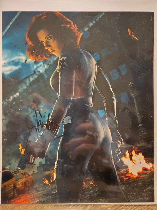 (記得小舖)好萊塢女星 黑寡婦 史嘉蕾·喬韓森 Scarlett Johansson 親筆簽名照8*10 含認證富收藏性